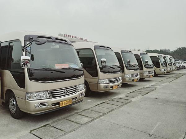 重庆中巴车租车公司