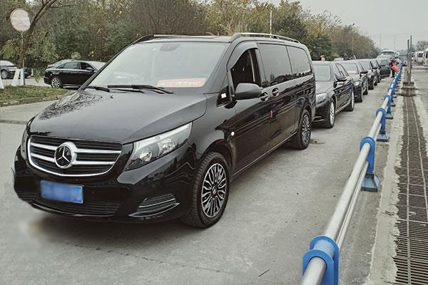重庆9座奔驰商务车租车价格