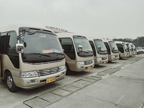 重庆中巴车租赁20座价格