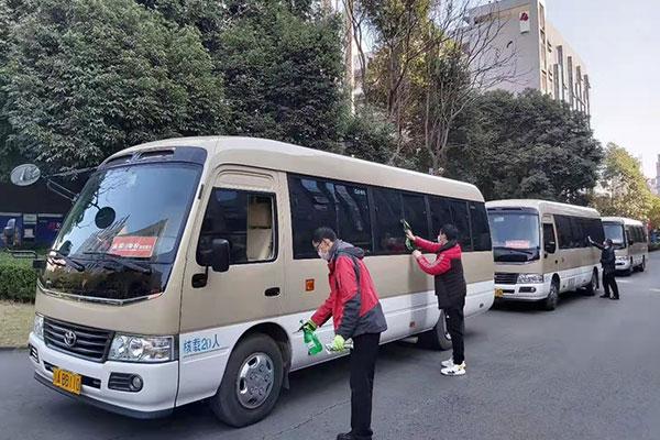 重庆租中巴车公司电话