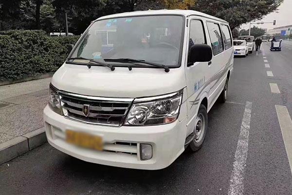 重庆12座奔驰MB100中巴租车价格