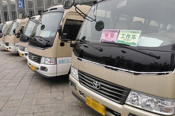 重庆租中巴车价格怎么样?
