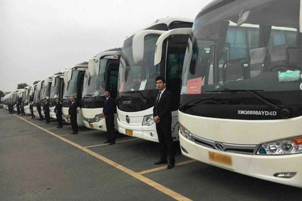 重庆租大巴车带司机一天多少钱?重庆大巴车租赁包车价格