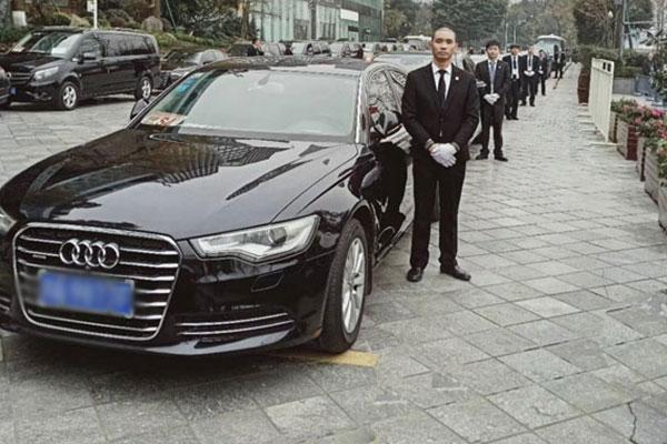 重庆汽车租赁司机代驾如何收费