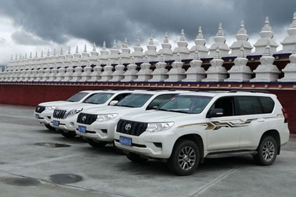 重庆机场租车到西藏多少钱?带司机包车费用多少?