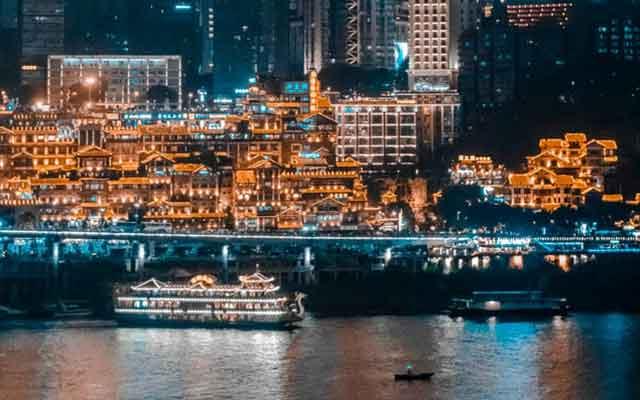 去重庆旅游怎么玩:朝天门夜景游船
