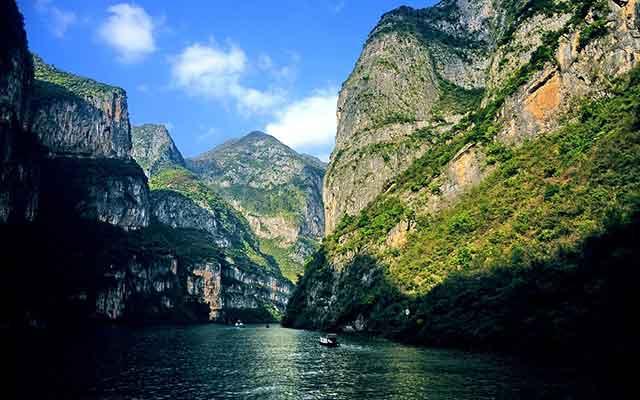 长江三峡旅游:瞿塘峡